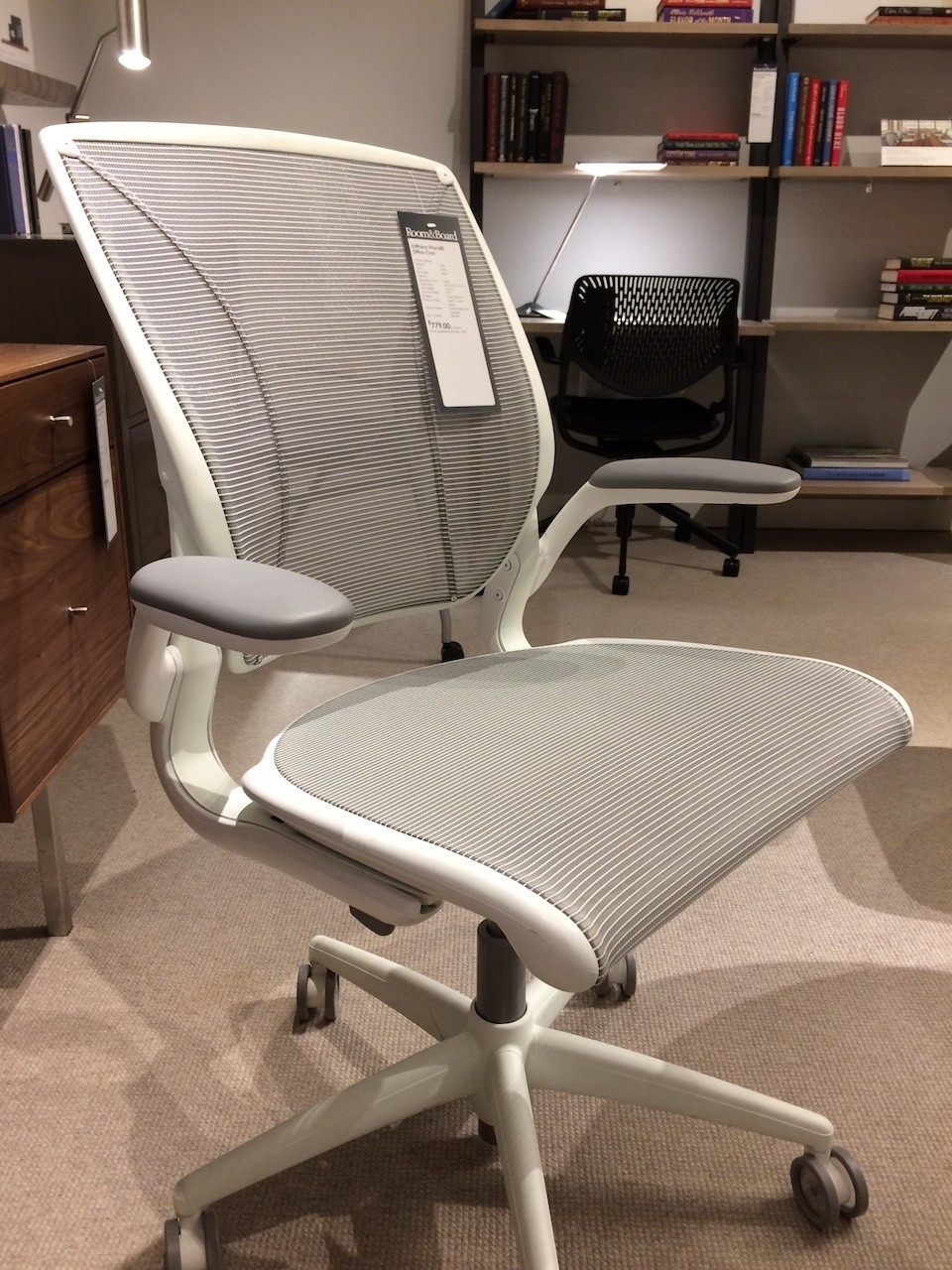 Humanscale Diffrient World Chair alternate front angle view