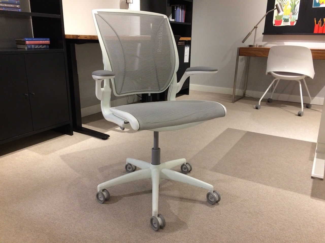 Humanscale Diffrient World Chair main horizontal photo