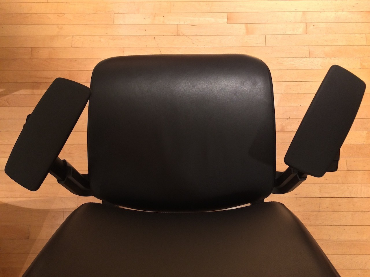 Steelcase Think Chair armrest swivel